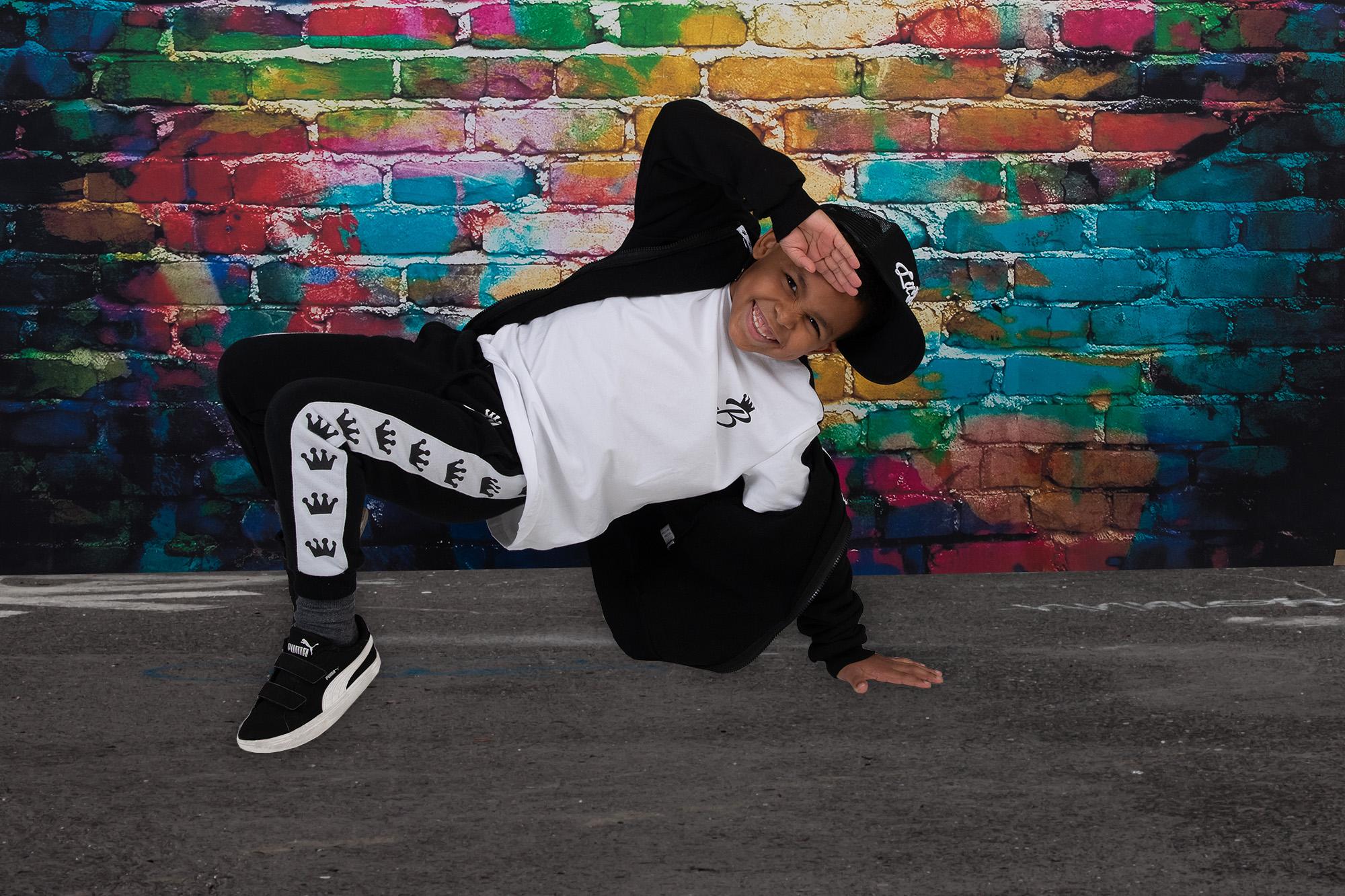 Lil Beatz Dancer Graffiti Wall